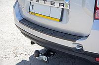 Накладка на задний бампер (черное тиснение) Renault Duster, фото 1