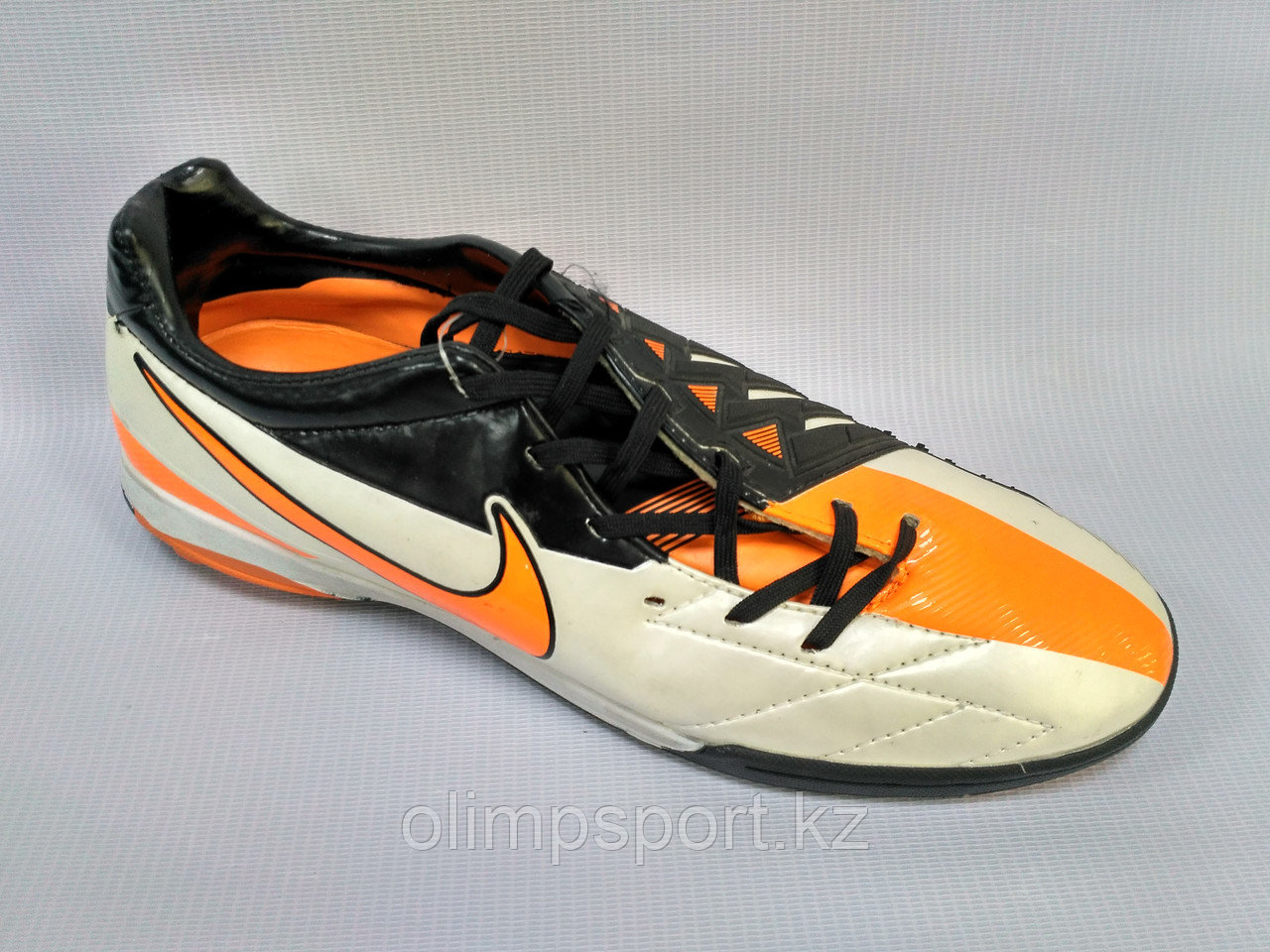 Сороконожки Nike T90