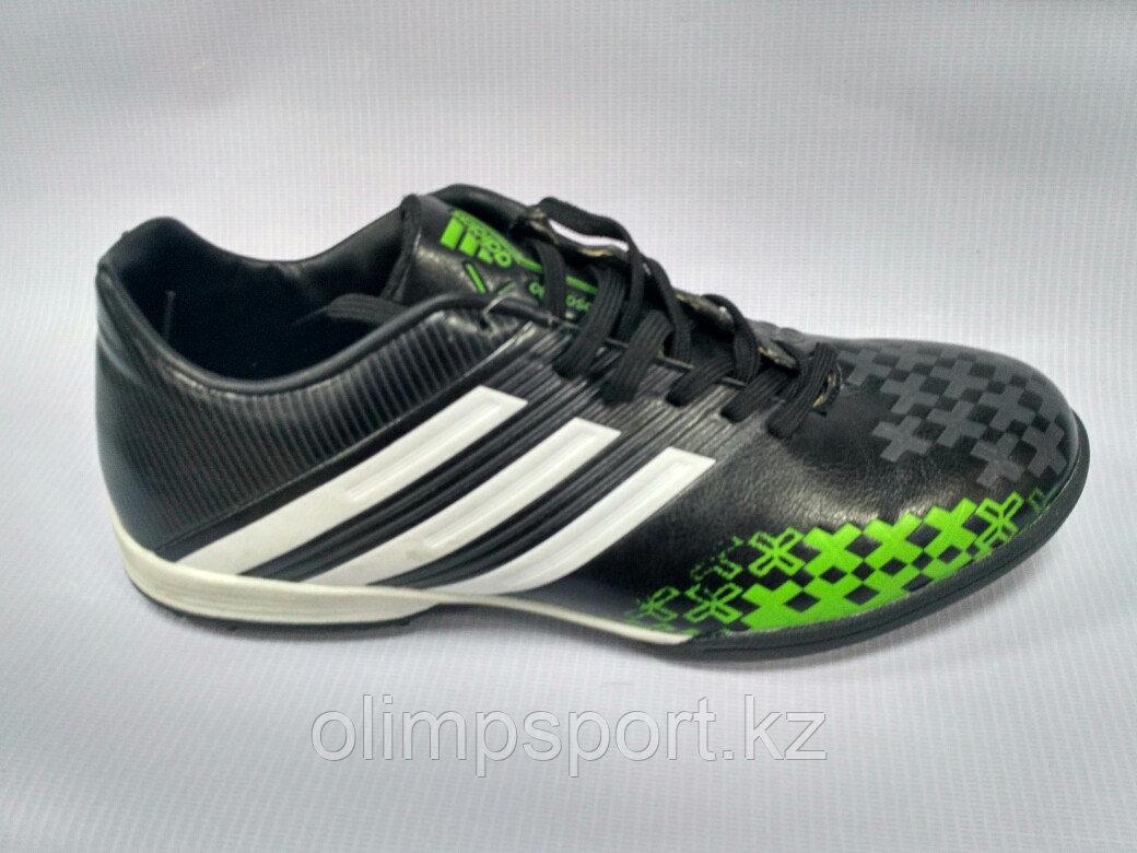 Обувь для футбола, шиповки, сороконожки  Adidas Predator