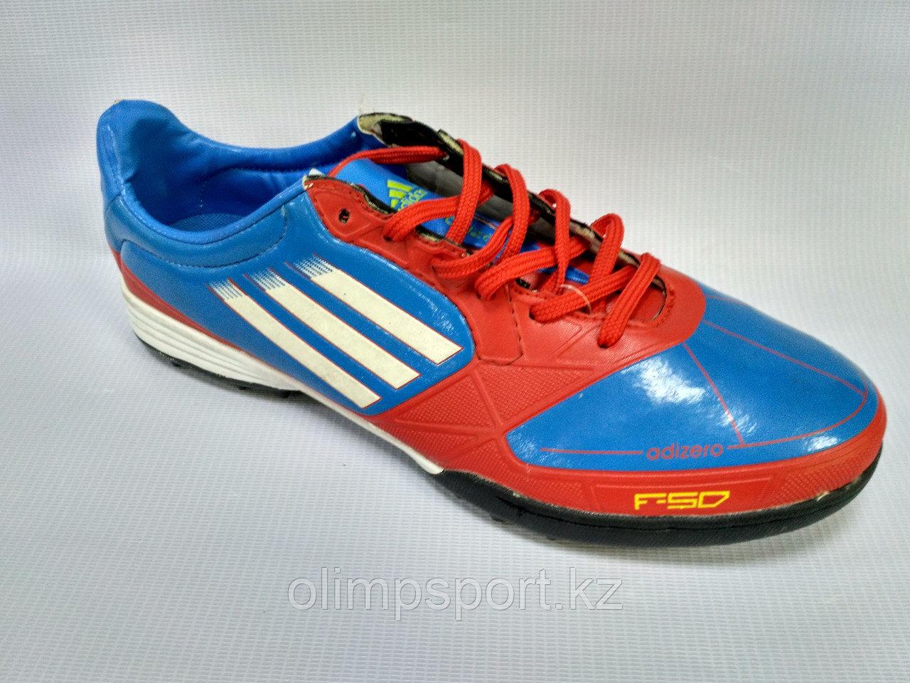 Обувь для футбола, шиповки, сороконожки  Adidas