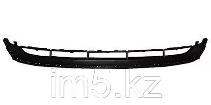 Решетка в бампер AUDI Q7 09- нижняя