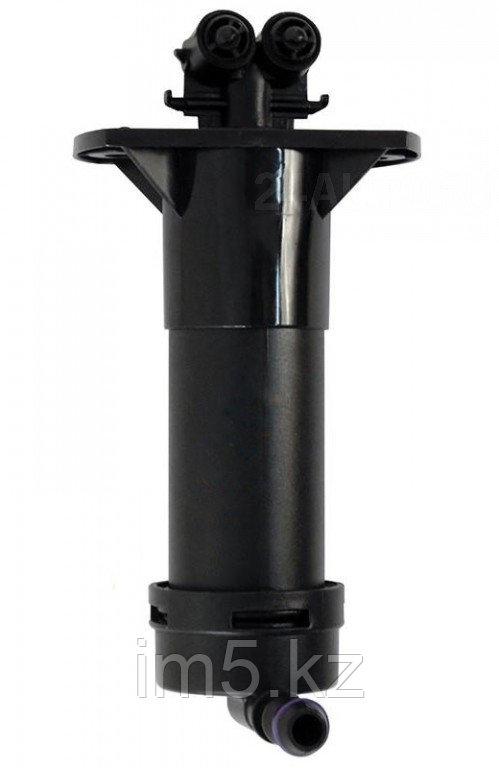 Омыватель фары правый AUDI Q7 09-