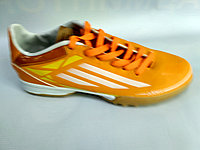 Обувь для футбола, шиповки, сороконожки Adidas R57