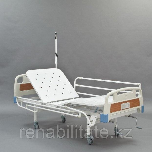 Кровать медицинская функциональная механическая четырехсекционная винтовая МЕТ КФ3-01
