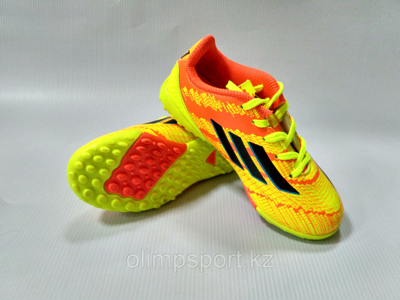 Сороконожки футбольные Adidas, детские