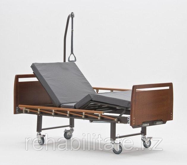 Четырехсекционная кровать для лежачих больных, серия Домашний уход E-8 (Сигма-8) WOOD