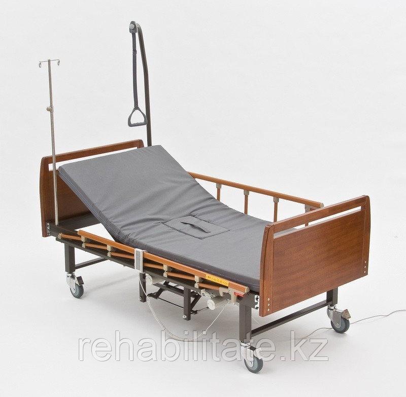 Функциональная электрическая четырёхсекционная кровать с туалетом DB-10 WOOD