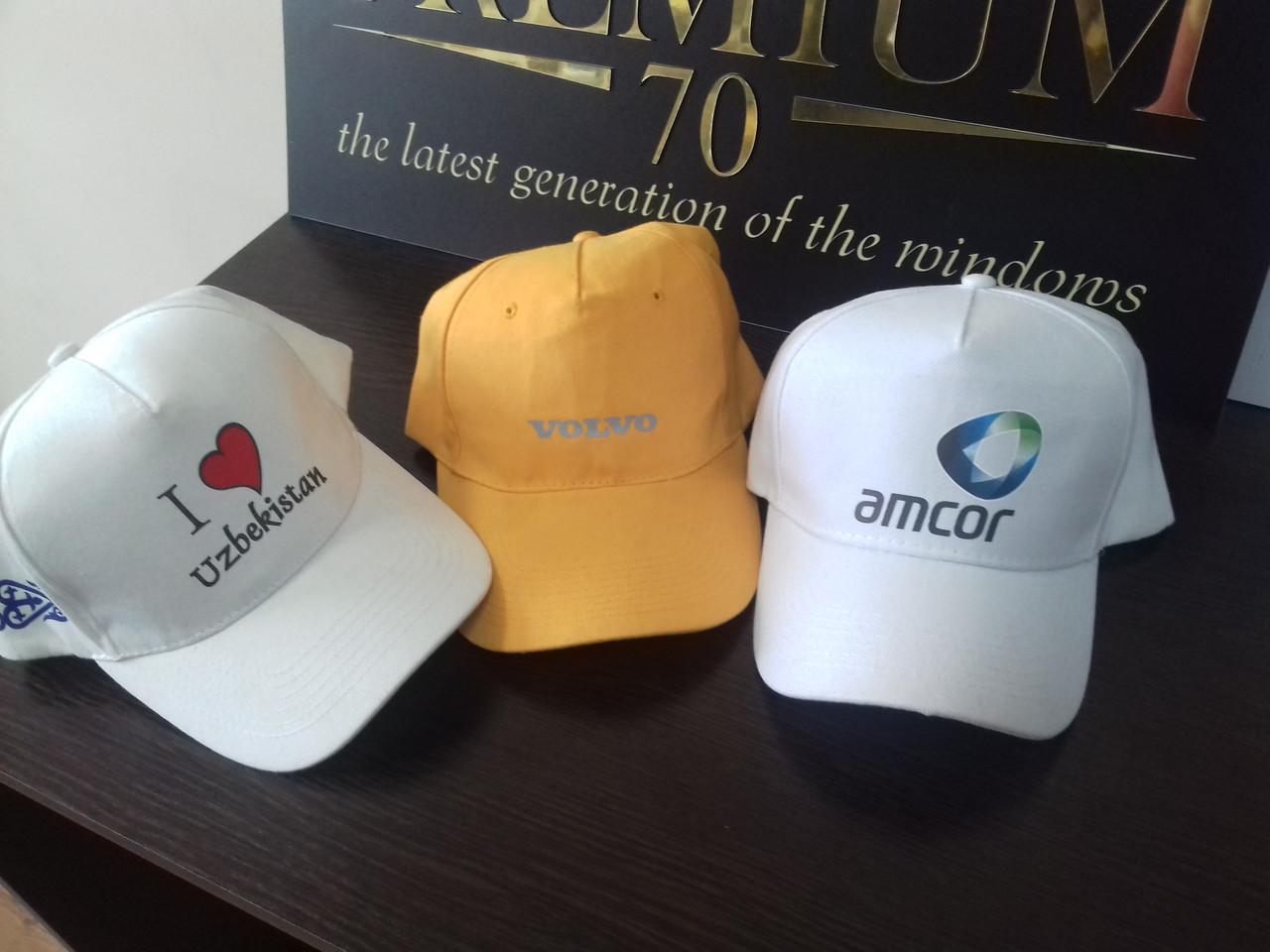 Нанесение логотипа на кепки по индивидуальному заказу