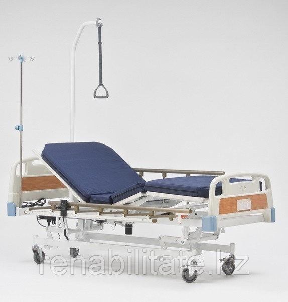 Кровать медицинская трёхфункциональная с электрическими приводами RS 201