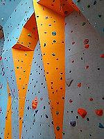 Альпинистская стенка скалодром