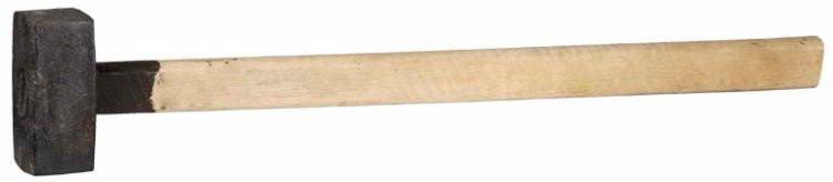 Кувалда литая с деревянной рукояткой 5кг