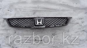 Решётка радиатора Honda Accord CF4