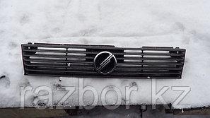 Решётка радиатора Nissan Sunny