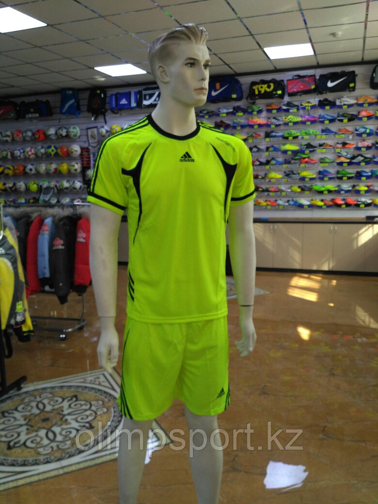 Футбольная форма Adidas Pedator 3032, взрослая