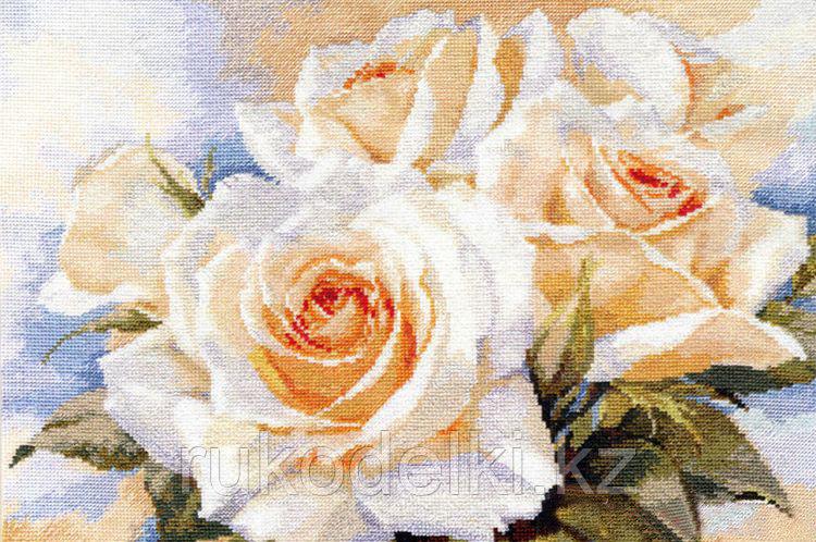 """Набор для вышивания крестом """"Белые розы"""""""