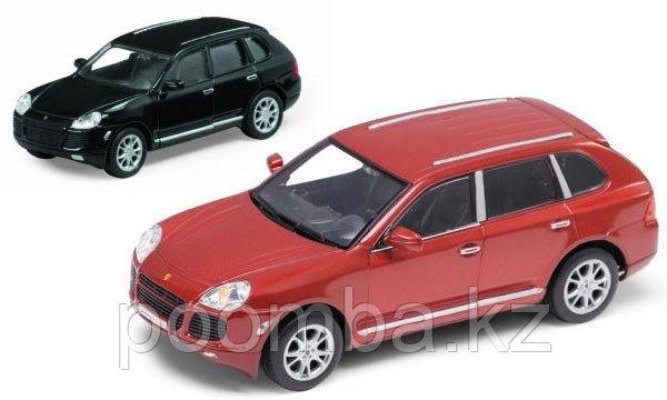 Коллекционная модель Porshe Cayenne Turbo, 1:34-39.