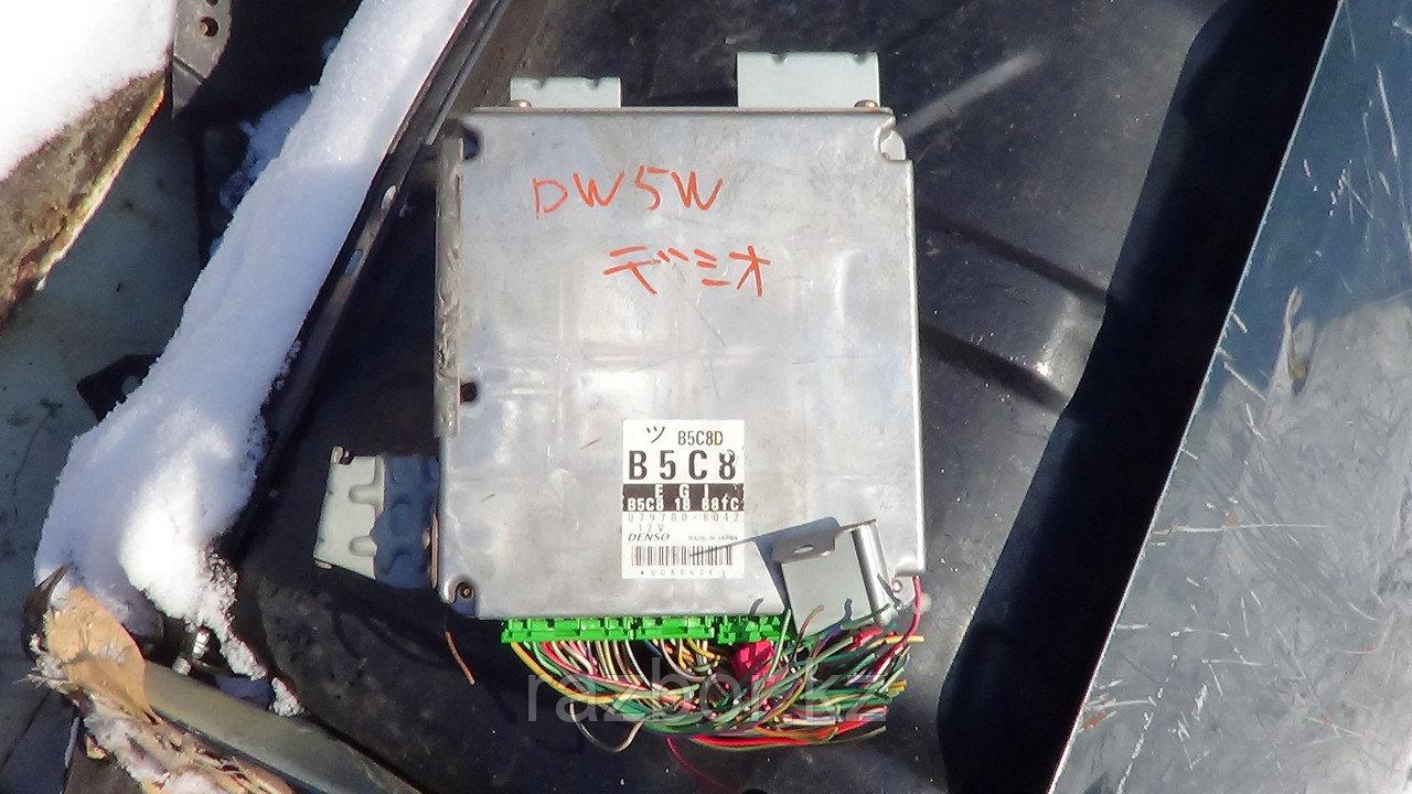 Блок управления двигателем Mazda Demio / №B5C8-18-881C