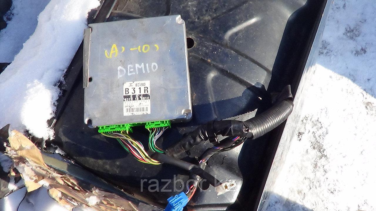 Блок управления двигателем Mazda Demio / №B31R-18-881C