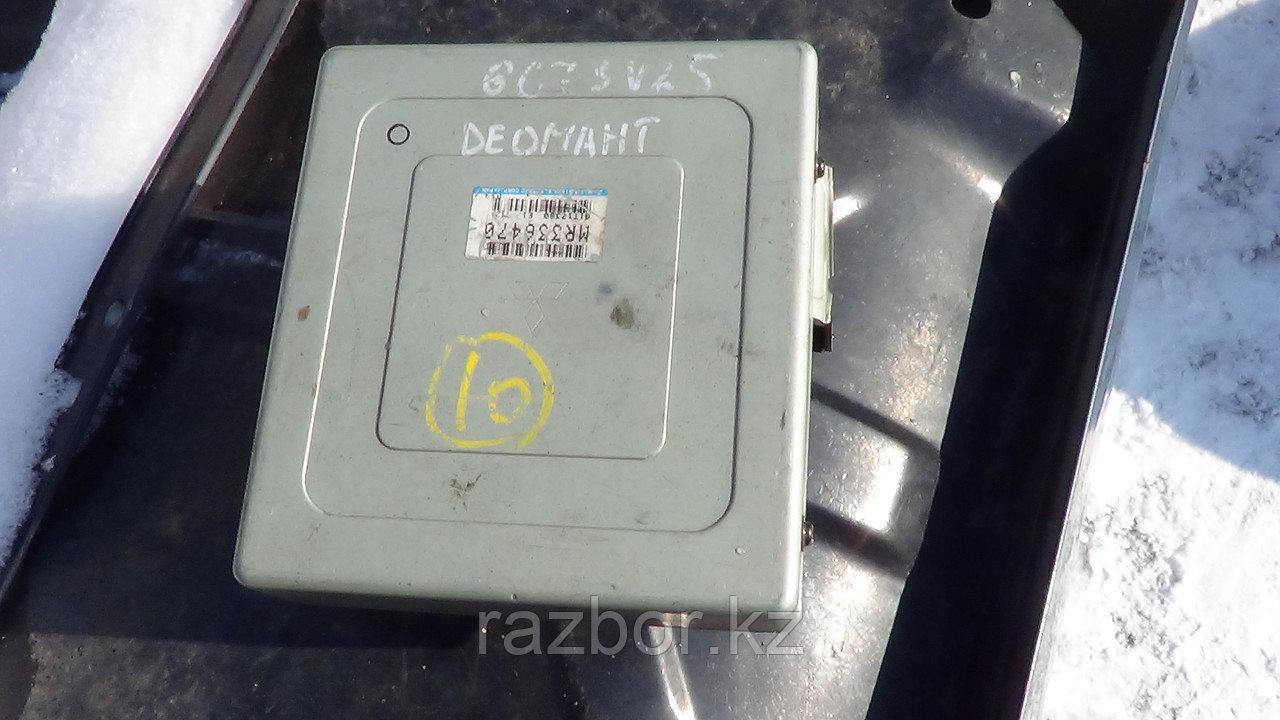 Блок управления двигателем Mitsubishi Diamante