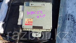 Блок управления двигателем Nissan Serena / №23710-4C100