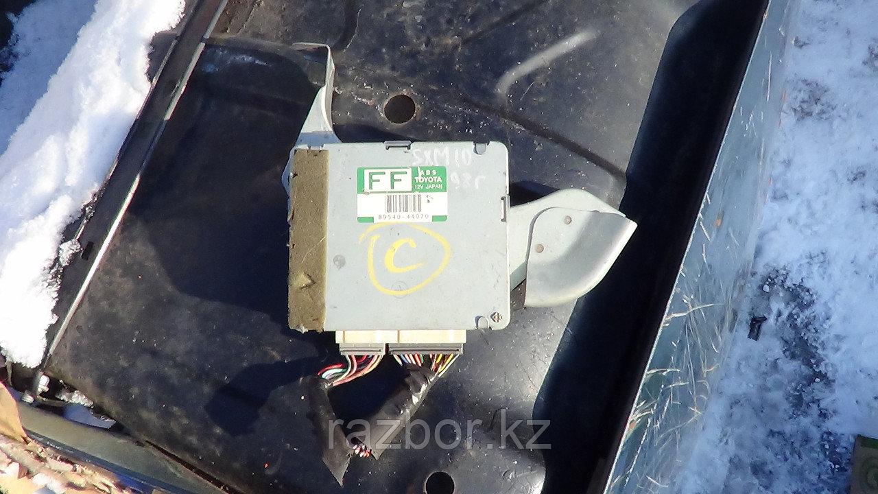 Блок управления двигателем Toyota Ipsum (ABS) / №89540-44070