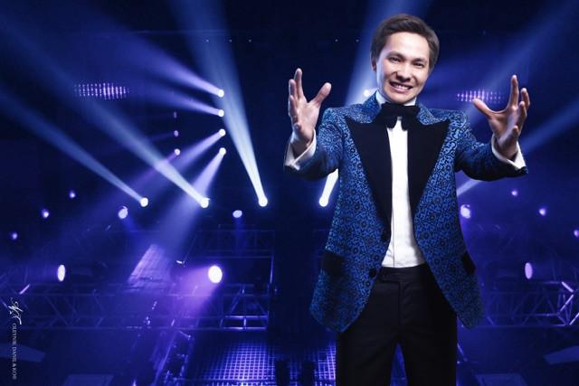 Ведущий, шоумен Руслан Искаков