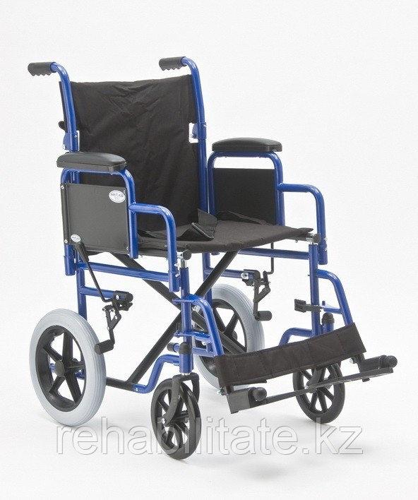 Кресло-каталка со стояночными тормозами H 030C