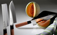 Набор ножей KAI Магороку Красное дерево