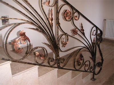 Перила для лестницы из металла ковка