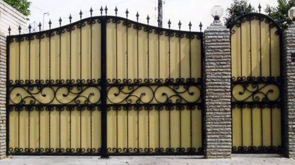 Подъемно поворотные ворота