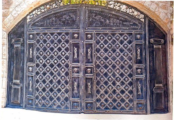 Ворота с калиткой с ковкой