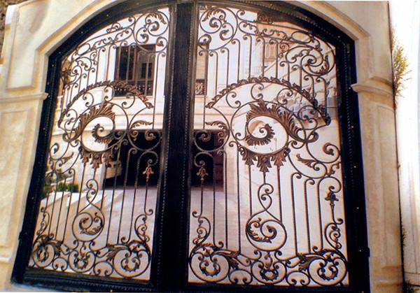 Поворотные ворота