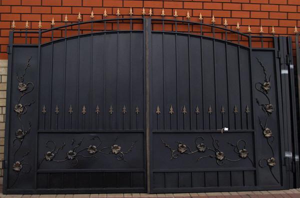 Железные вороты для дома