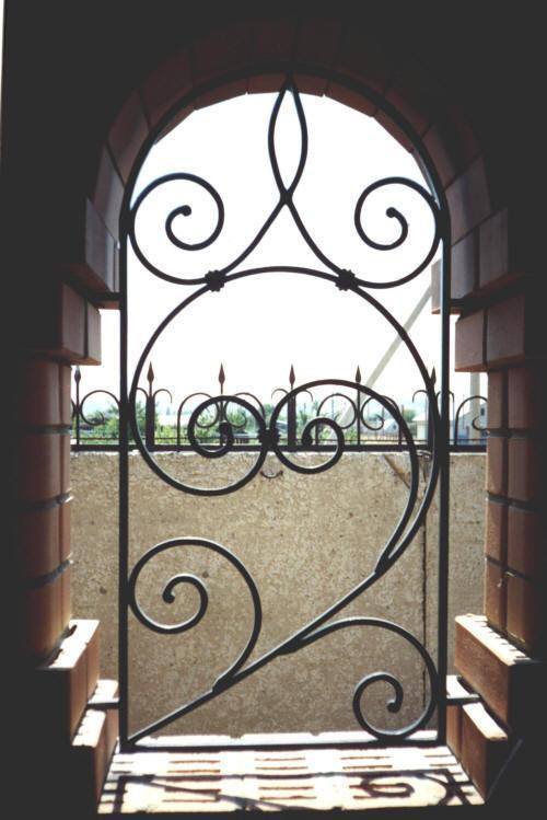 Решетки на окна частный дом