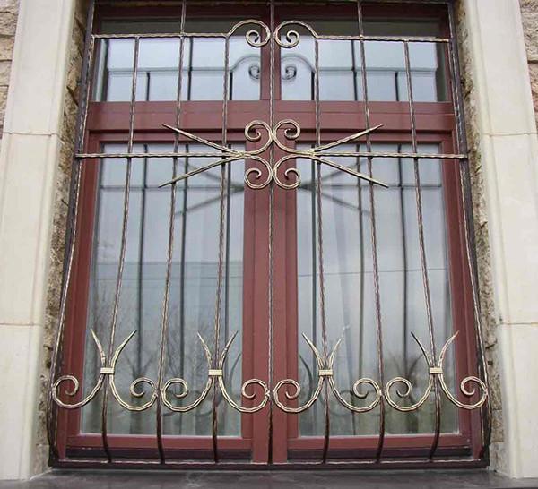Защитные решетки на пластиковые окна