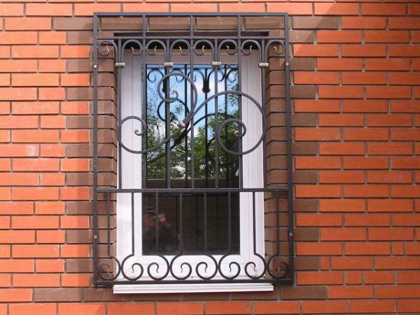 Изготовление и установка металлических решеток на окна