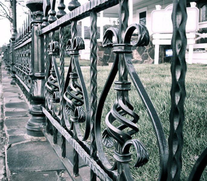 Декоративные заборы из металла