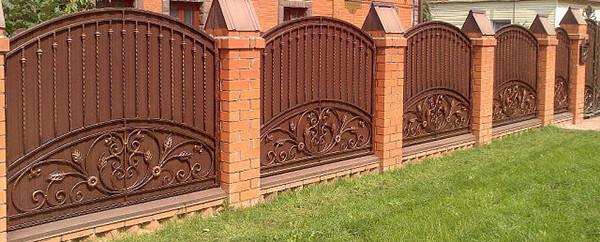 Кованый забор металл