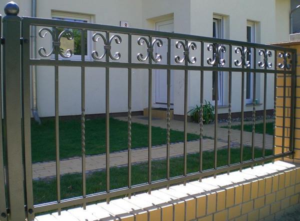 Кованый забор прямой