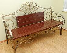 Железные скамейки