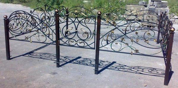 Могильные оградки