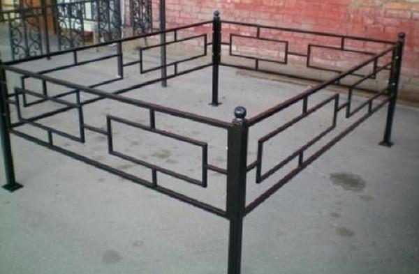 Изготовление металлических оградок на кладбище