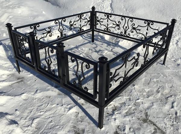 Кованые ритуальные оградки