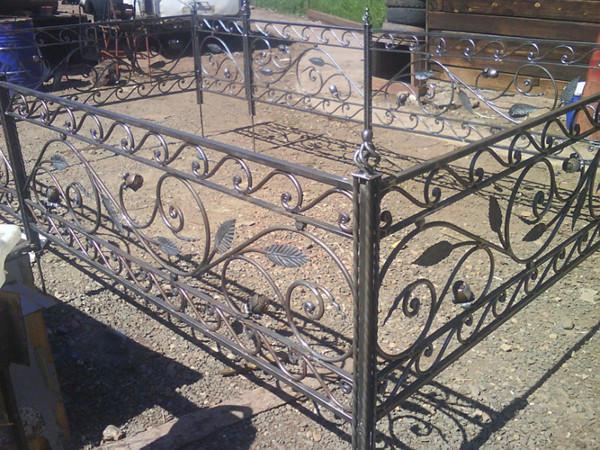 Кованые ограды лоза