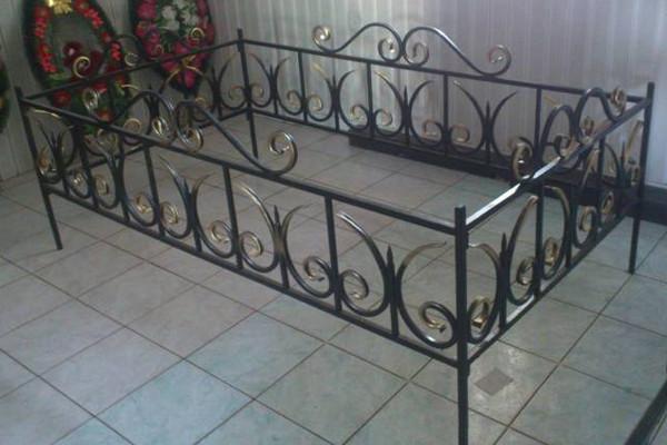 Низкие кованые оградки