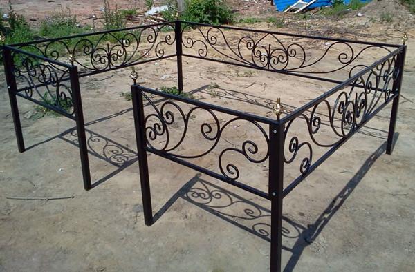Красивые кованые ограды на могилу