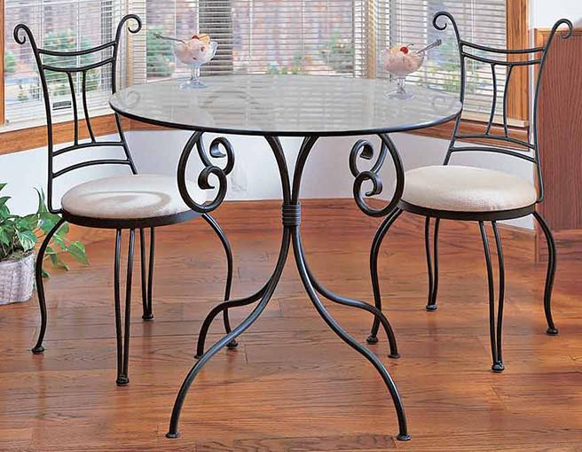 Комплект кованого стола и стульев