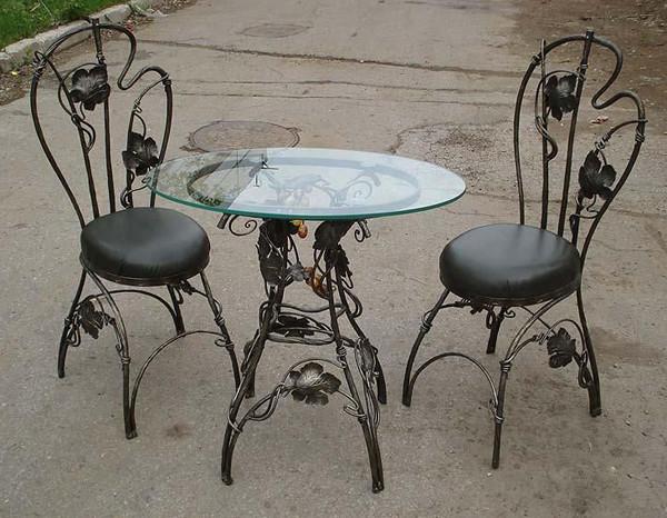 Комплект кованого столика со стульями