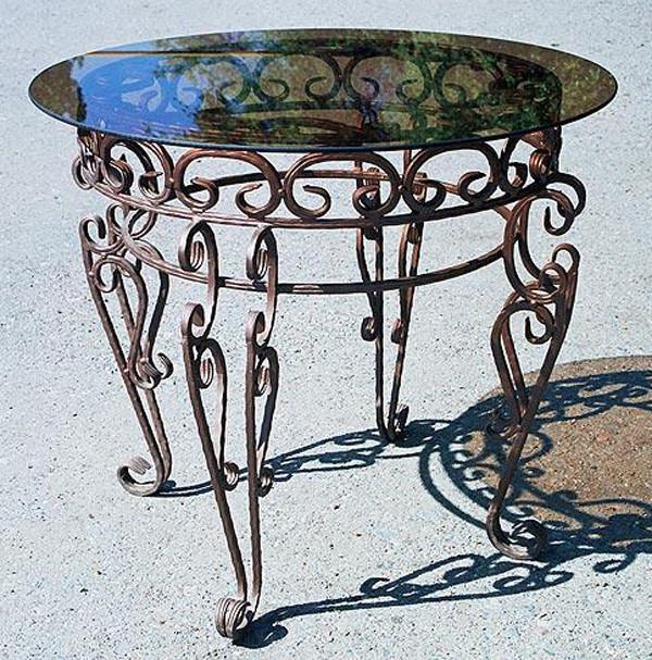 Красивые кованые столы