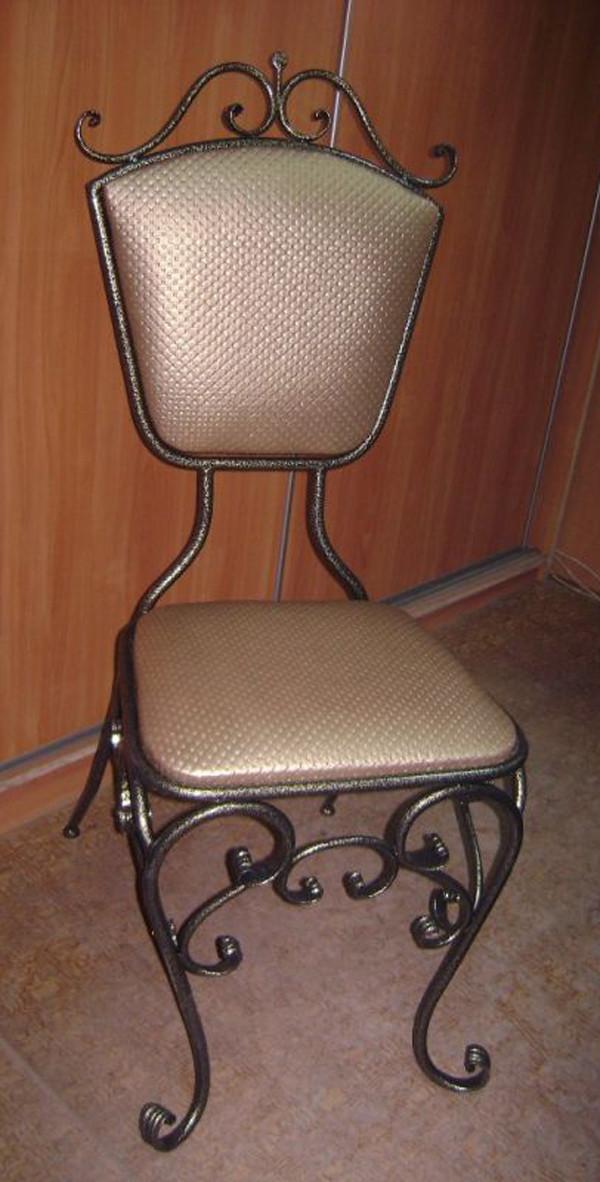 Кованые стулья на кухню